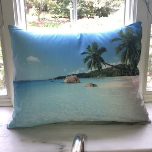 🏝Pair of Tropical Accent Pillows A+ Condition🏝